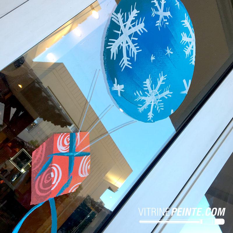 decoration boule de noel peinture sur vitre