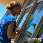 nettoyage de printemps peinture sur vitrine magasin