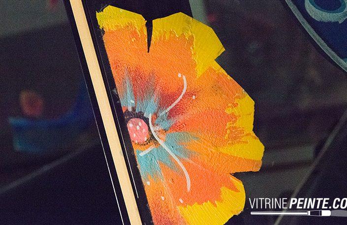 deco fleur dessin sur vitre peinture vitrine