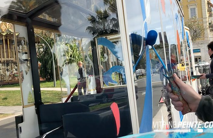 idée deco vitrine comemrce peinture sur vitrine carnaval de nice vitrine magasin