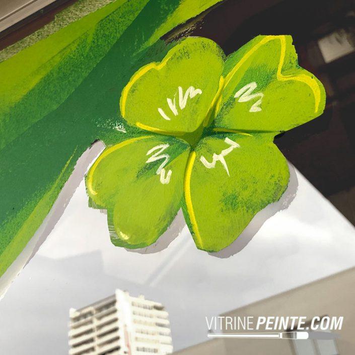 decoration de vitrine pour le printemps trèfle st.patrick