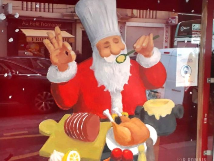 013-NOEL-decoration.peinture.virine.magasin.paris.idee.deco.vitre.boucherie.parisienne.pere-noel